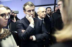Croisilles : Macron Migrants